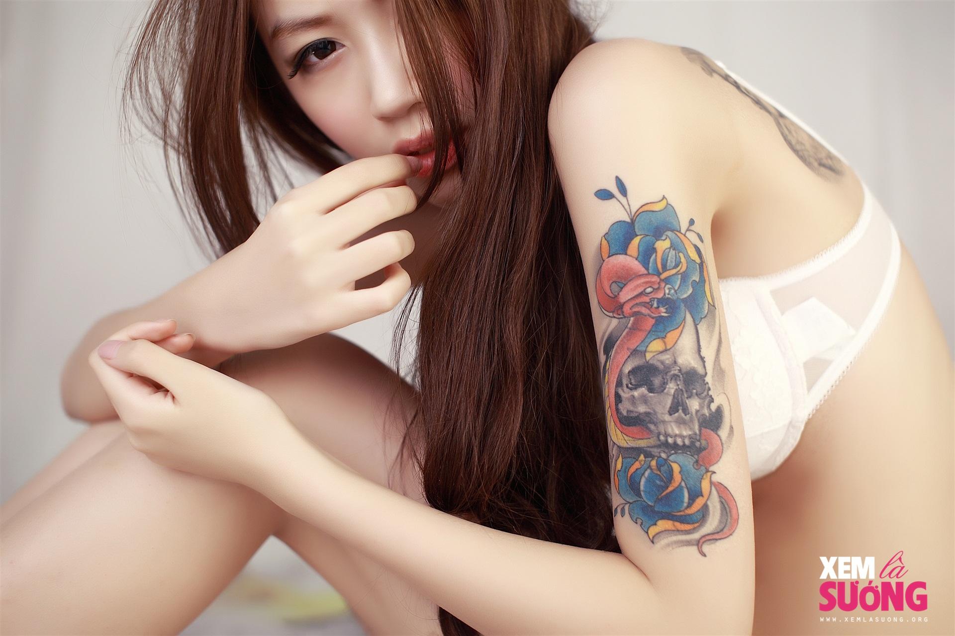 ╭☆<自拍>超辣的漂亮紋身台妹!_20P☆╮