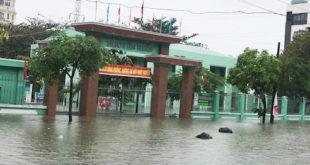 Mưa lũ học sinh Đà Nẵng được nghỉ học