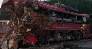 Tai nạn khủng khiếp làm 41 người thương vong