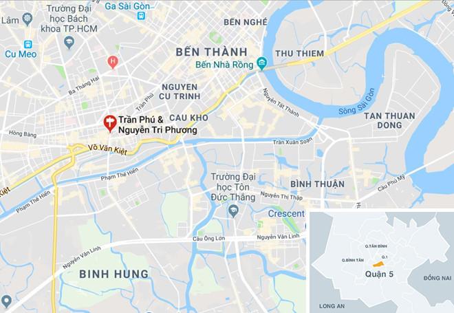 Mercedes tông hàng loạt xe máy ở Sài Gòn