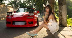 Người mẫu 9x khoe dáng cùng Mazda Mx 5 đời đầu