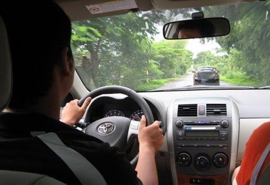Kỹ thuật lái xe ô tô số sàn