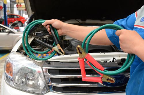 8 món đồ hữu ích tài xế nên trang bị trên ô tô
