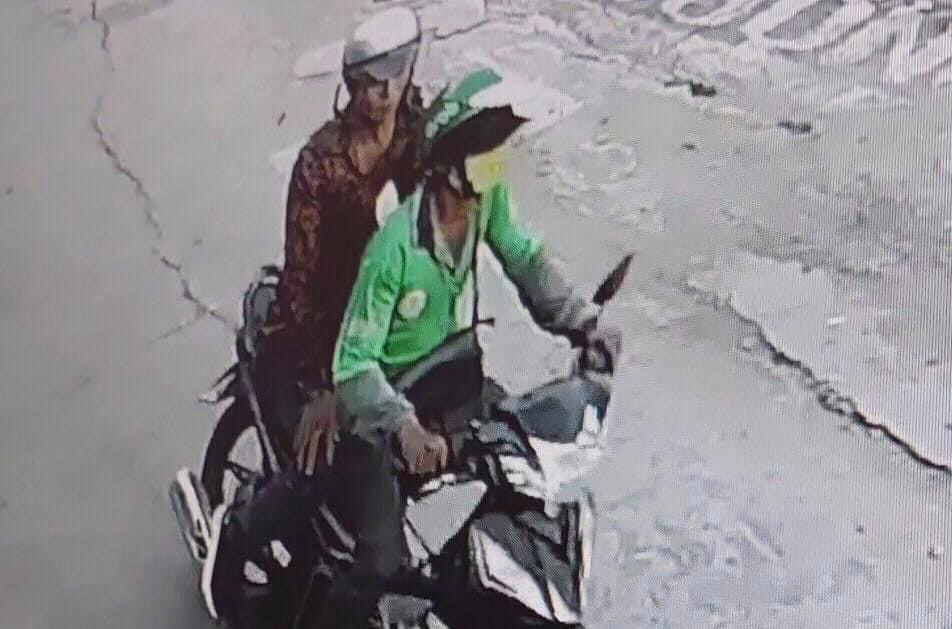 Tài xế xe ôm bị cướp cứa cổ lấy xe máy