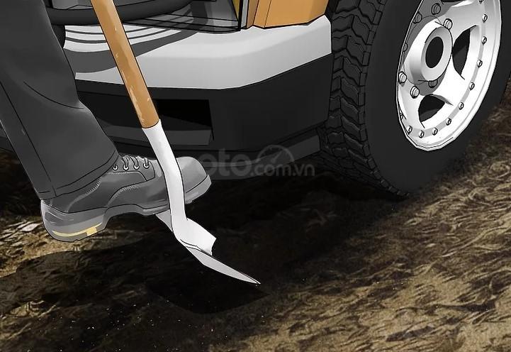 Mẹo thoát khỏi bùn lầy khi ô tô mắc kẹt