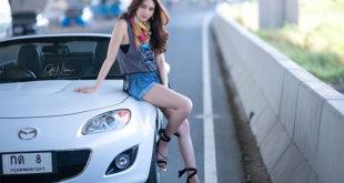 Người đẹp Thái Lan bên chiếc mui trần mazda miata