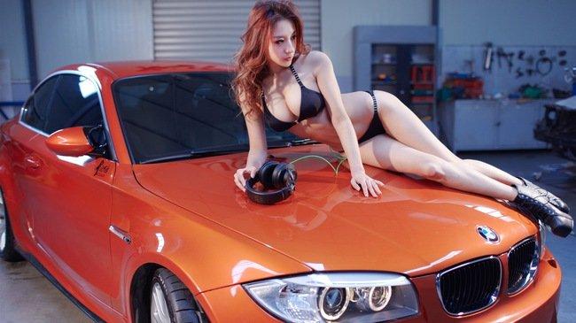 Ngắm người đẹp bikini khoe dáng xinh bên BWM
