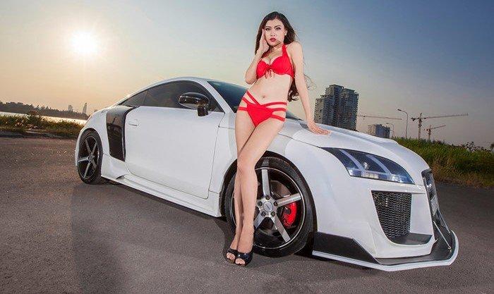 Người đẹp độ dáng bên xe thể thao Audi