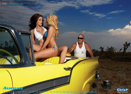 Bộ lịch người đẹp rửa xe 2009