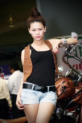 Người mẫu tại AutoExpo 2010