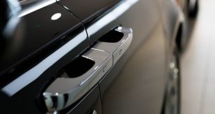 Nguyên tắc hoạt động và cấu tạo của khóa cửa ô tô hiện nay