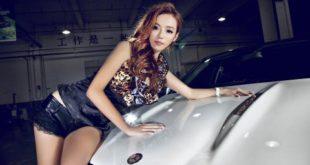 Vẻ đẹp thiên thần tạo dáng bên Mercedes